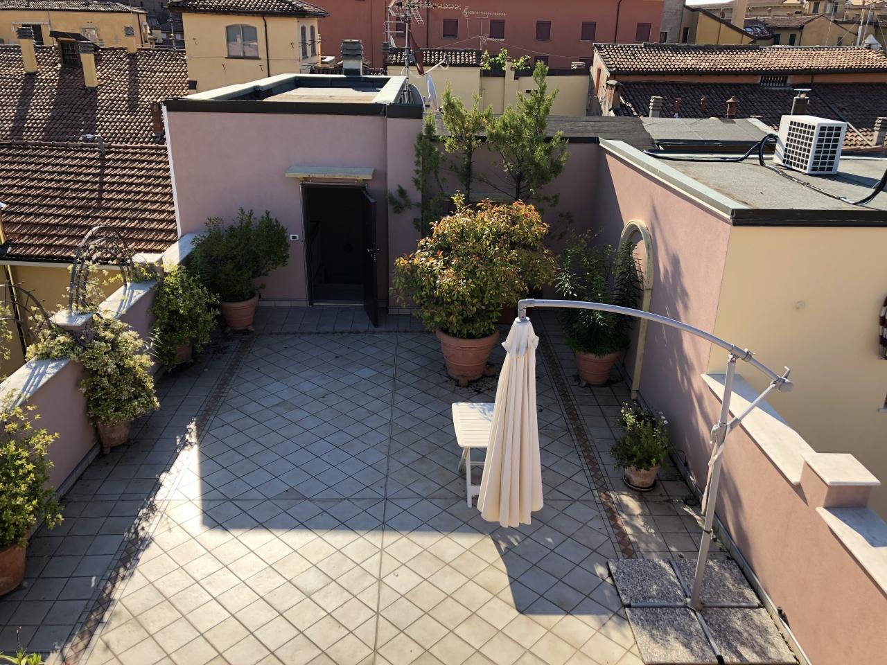 Appartamento in affitto a Bologna, 3 locali, prezzo € 1.200 | CambioCasa.it