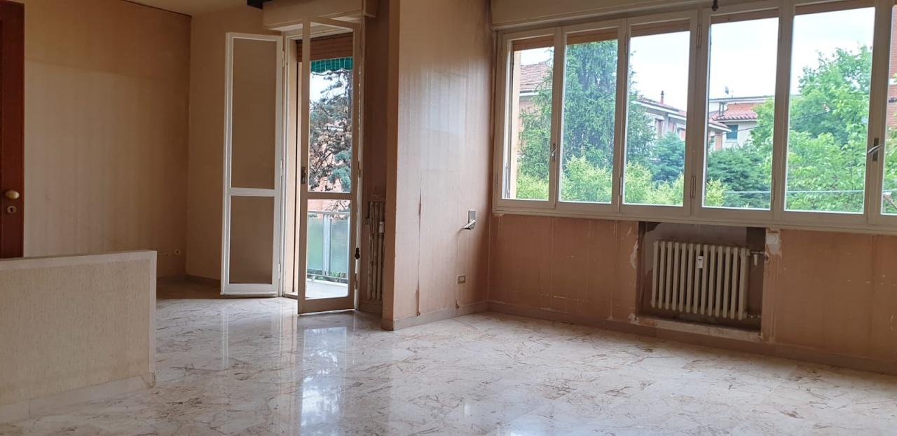 Appartamento 5 locali in vendita a Bologna (BO)