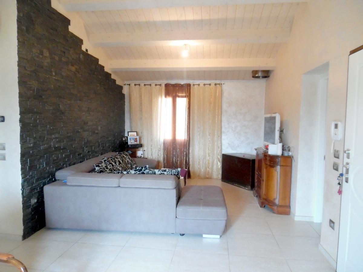 Appartamento in vendita a Castrocaro Terme e Terra del Sole, 6 locali, prezzo € 190.000 | CambioCasa.it