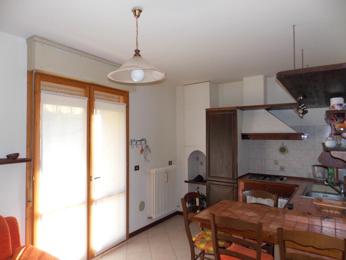 Appartamento in buone condizioni arredato in vendita Rif. 6189852