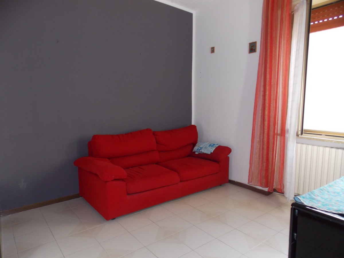 Appartamento da ristrutturare in vendita Rif. 6189813