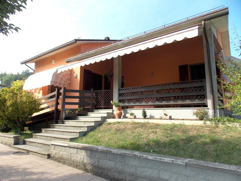 Soluzione Indipendente in vendita a Predappio, 4 locali, prezzo € 180.000 | CambioCasa.it