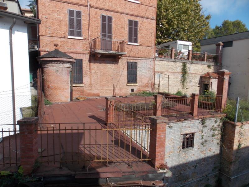 Soluzione Indipendente in vendita a Predappio, 7 locali, prezzo € 149.000 | CambioCasa.it