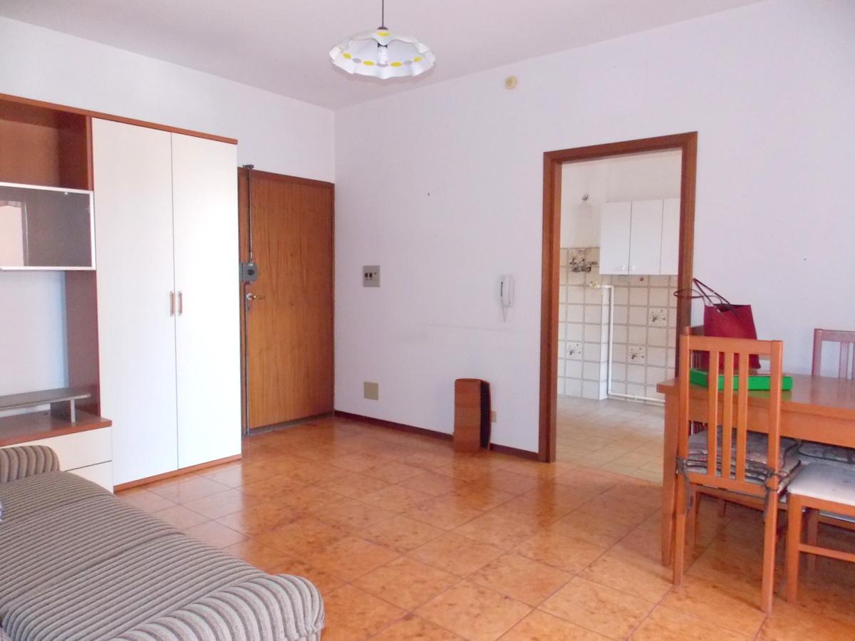 Appartamento da ristrutturare in vendita Rif. 9997373