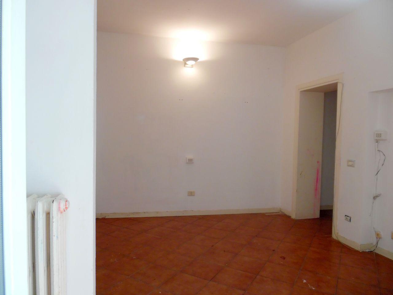 Appartamento da ristrutturare in vendita Rif. 11526260