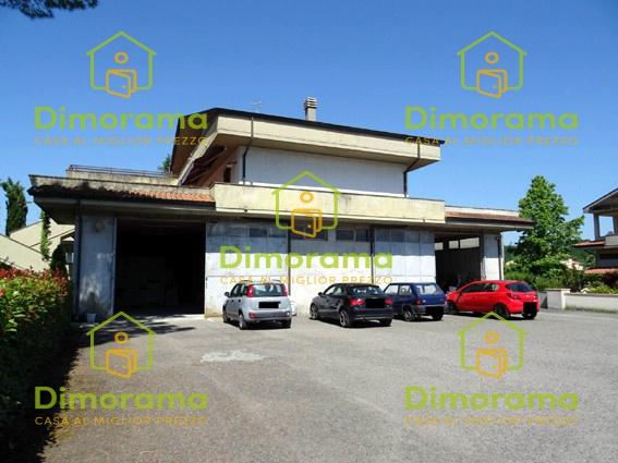 Laboratorio monolocale in vendita a Aulla (MS)