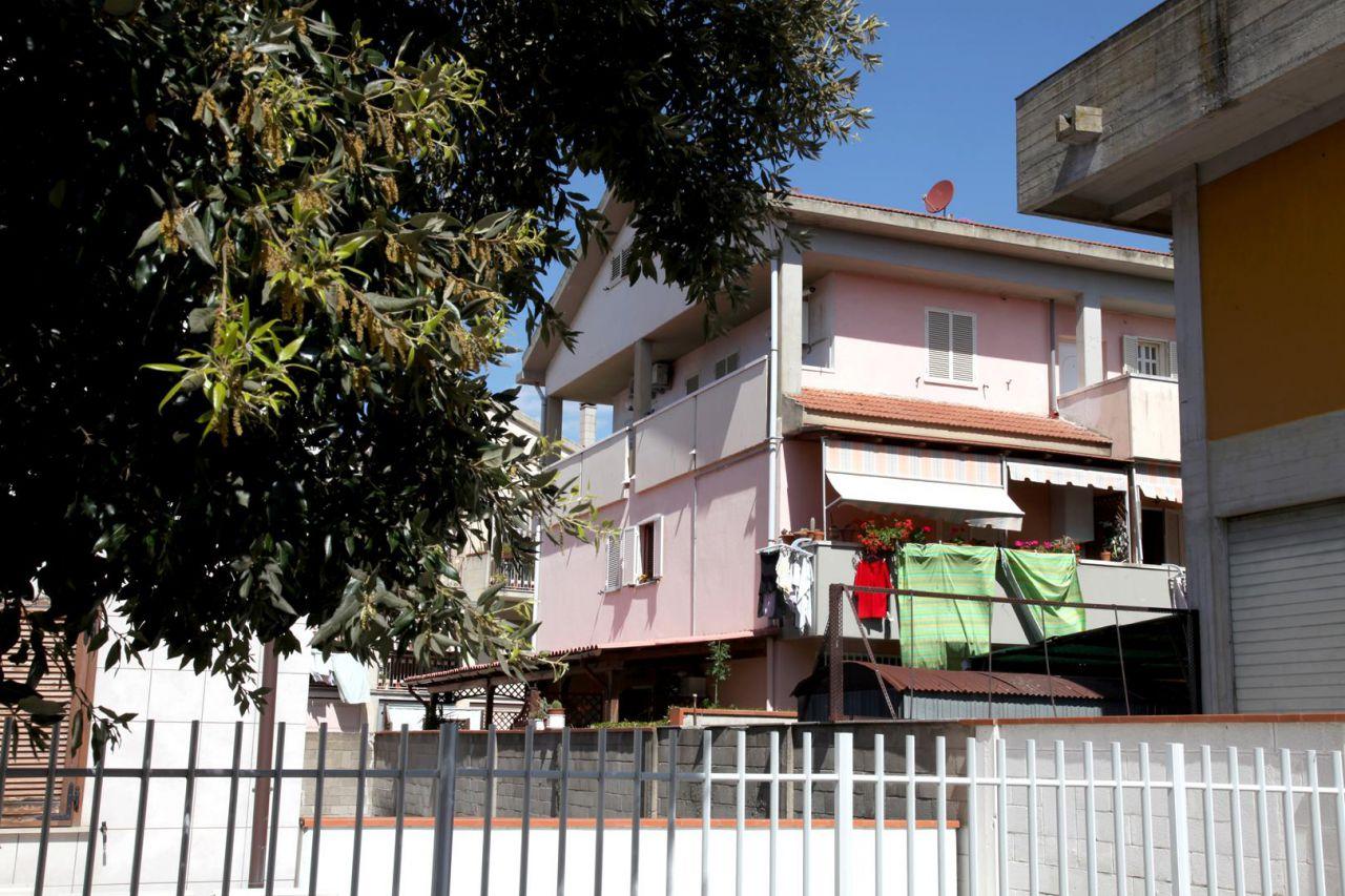 Appartamento in ottime condizioni arredato in affitto Rif. 9043582