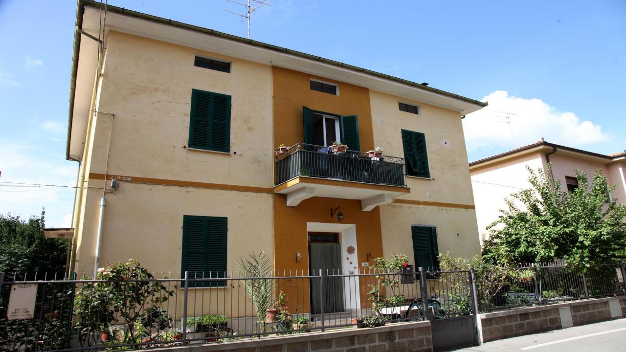 Villetta a schiera in discrete condizioni in vendita Rif. 7999643