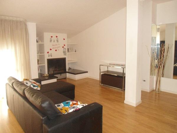 Appartamento ristrutturato arredato in affitto Rif. 4794347