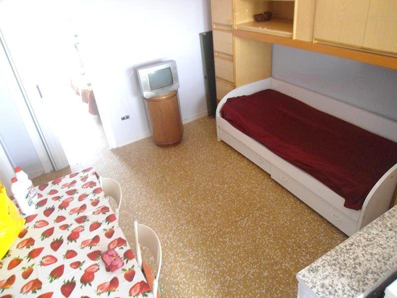 Appartamento da ristrutturare arredato in vendita Rif. 4794351