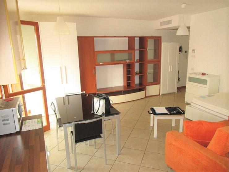 Appartamento in affitto a Vimodrone, 1 locali, Trattative riservate   CambioCasa.it
