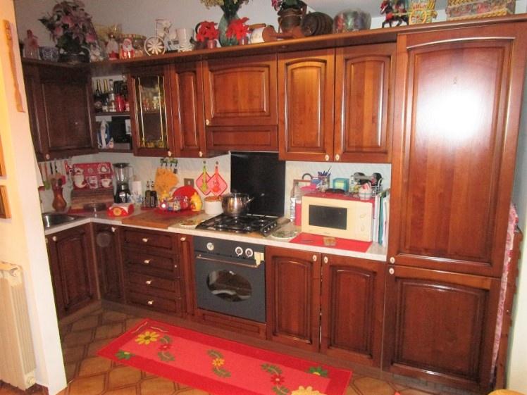 Appartamento in ottime condizioni in vendita Rif. 6032092