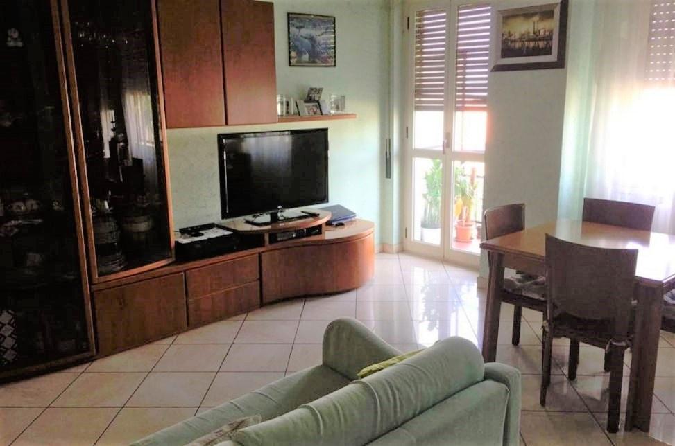 Appartamento ristrutturato in vendita Rif. 8263941
