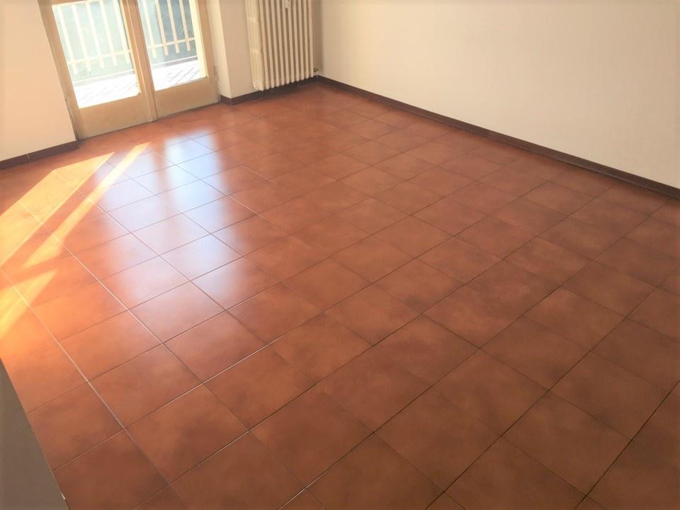 Appartamento in buone condizioni in vendita Rif. 9460013
