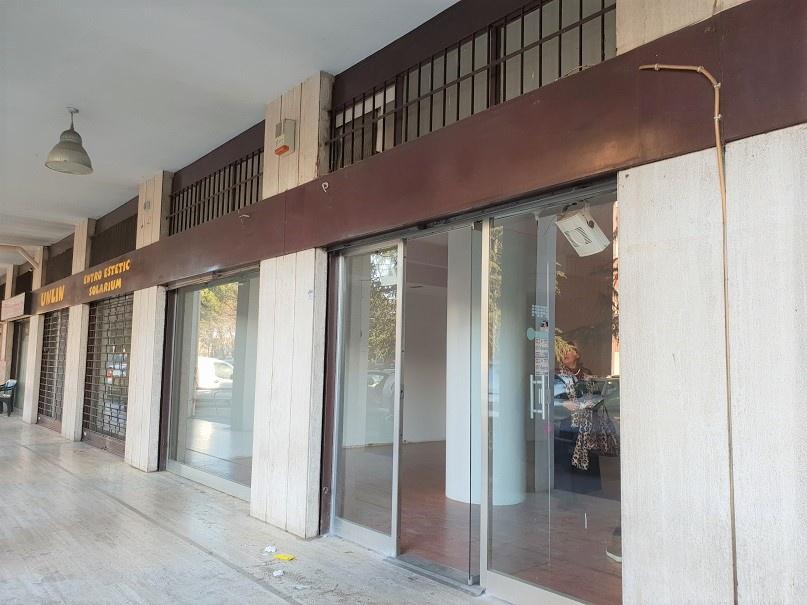 Negozio / Locale in affitto a Cologno Monzese, 9999 locali, prezzo € 900 | PortaleAgenzieImmobiliari.it