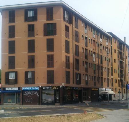 Appartamento in buone condizioni arredato in vendita Rif. 9916535