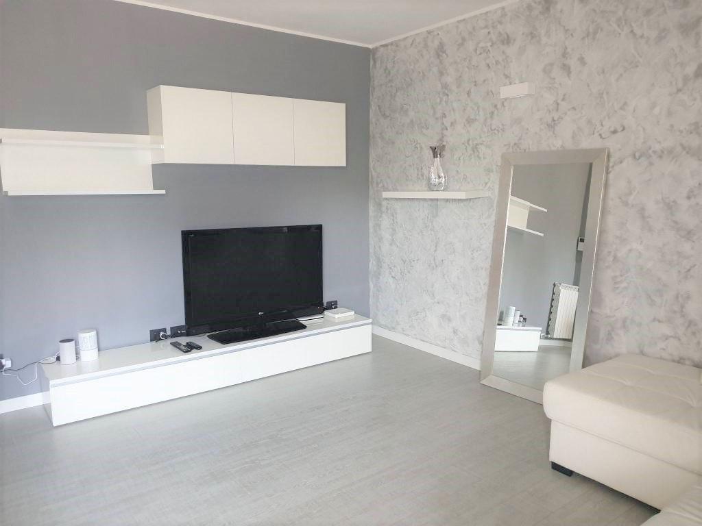 Appartamento ristrutturato arredato in affitto Rif. 10125612