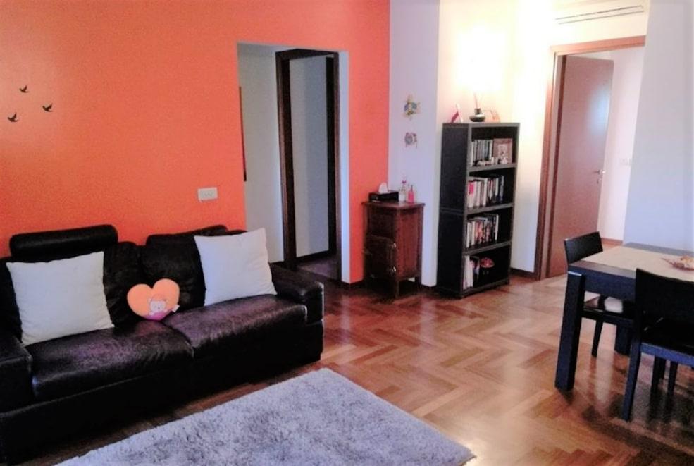 Appartamento in buone condizioni in vendita Rif. 10236618