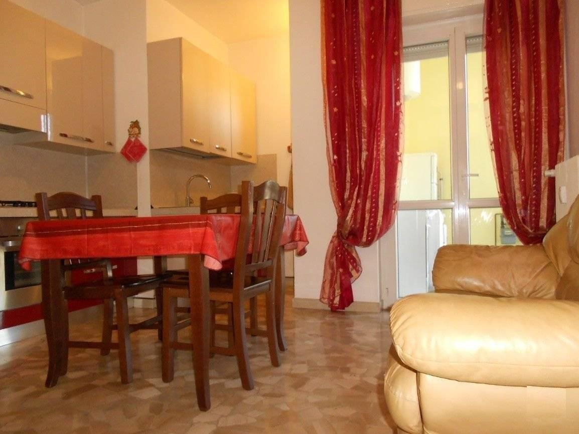 Appartamento in buone condizioni arredato in vendita Rif. 11044207