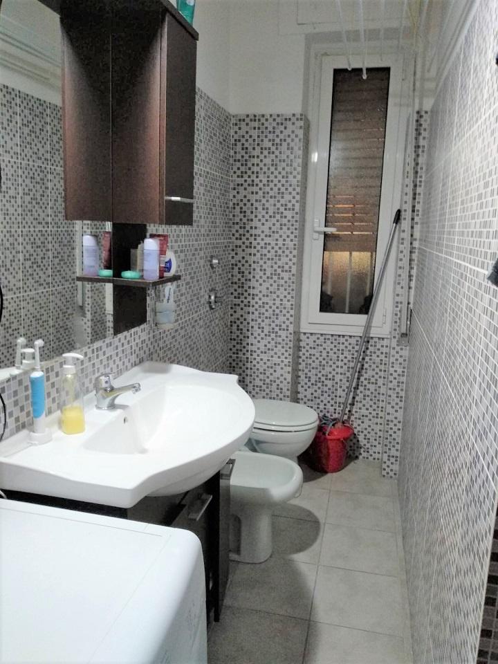 Appartamento in buone condizioni arredato in vendita Rif. 11561541