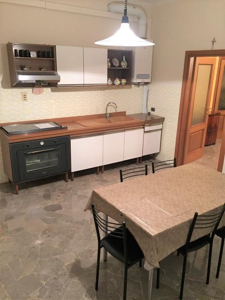 Appartamento in buone condizioni in vendita Rif. 11624389