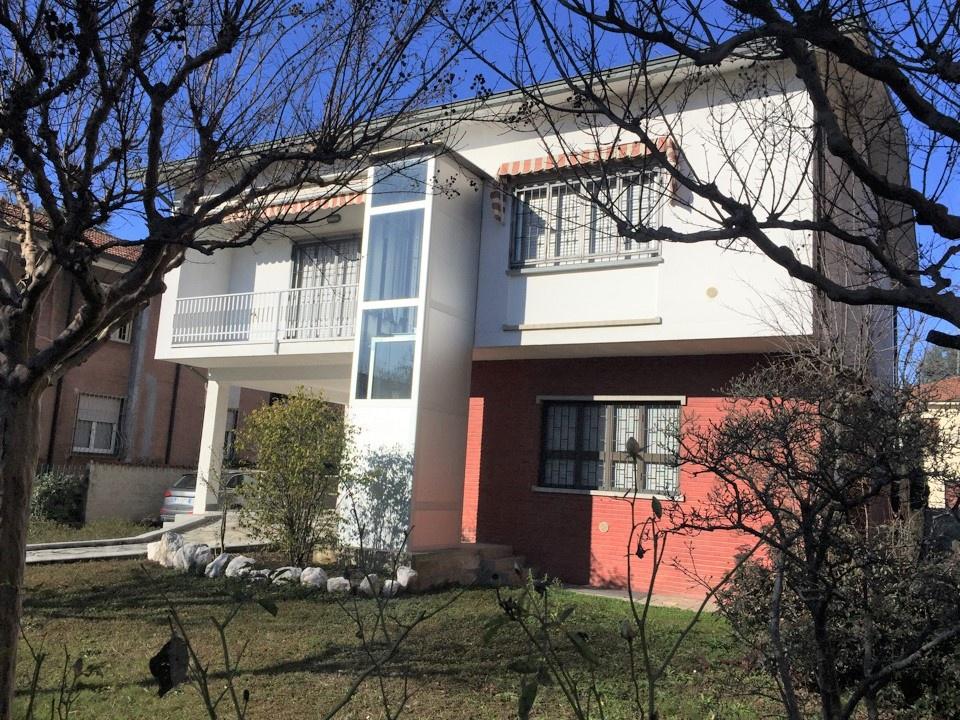 Villa in ottime condizioni in vendita Rif. 11980923