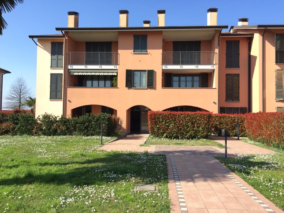 Appartamento in ottime condizioni in vendita Rif. 12361082