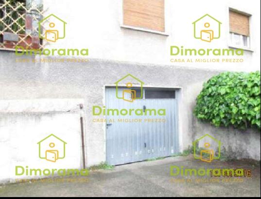 Box auto trilocale in vendita a Almenno San Bartolomeo (BG)
