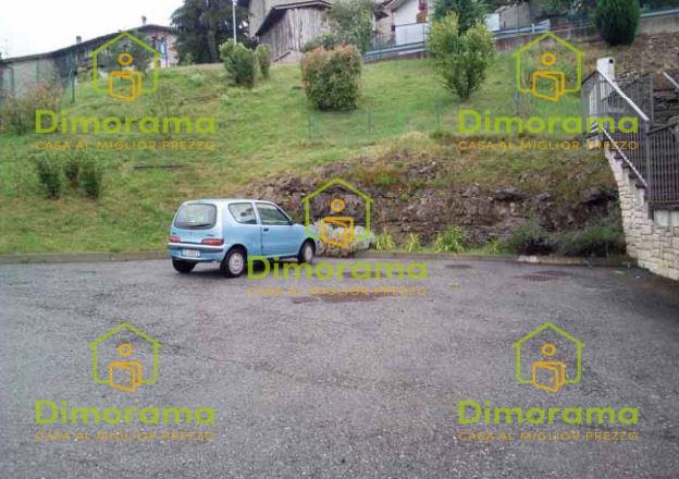 Box e posti auto in vendita Rif. 12254545