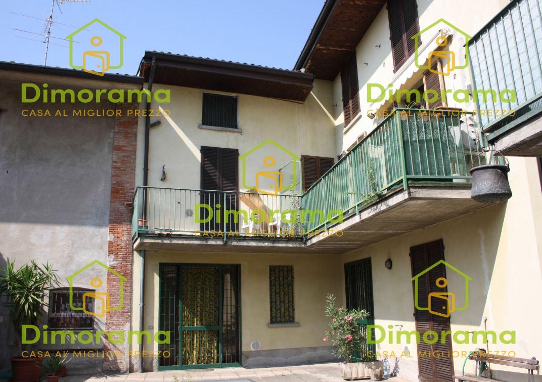 Appartamento in vendita Rif. 12031715