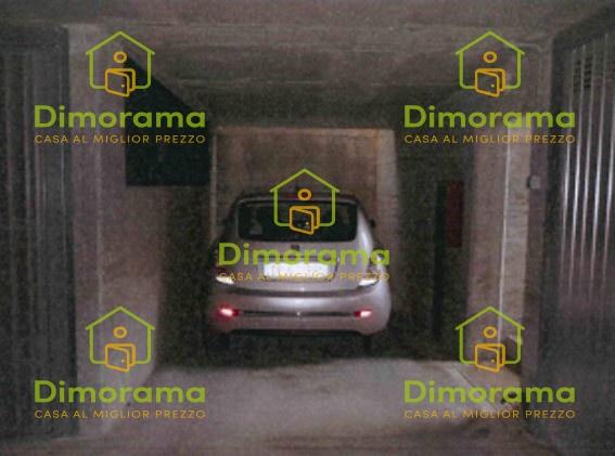 Box e posti auto in vendita Rif. 12267305