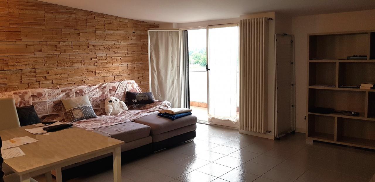 Appartamento da ristrutturare in vendita Rif. 7342163