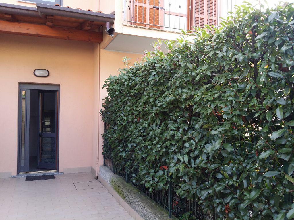 Bilocale Cantù Via Milano 10