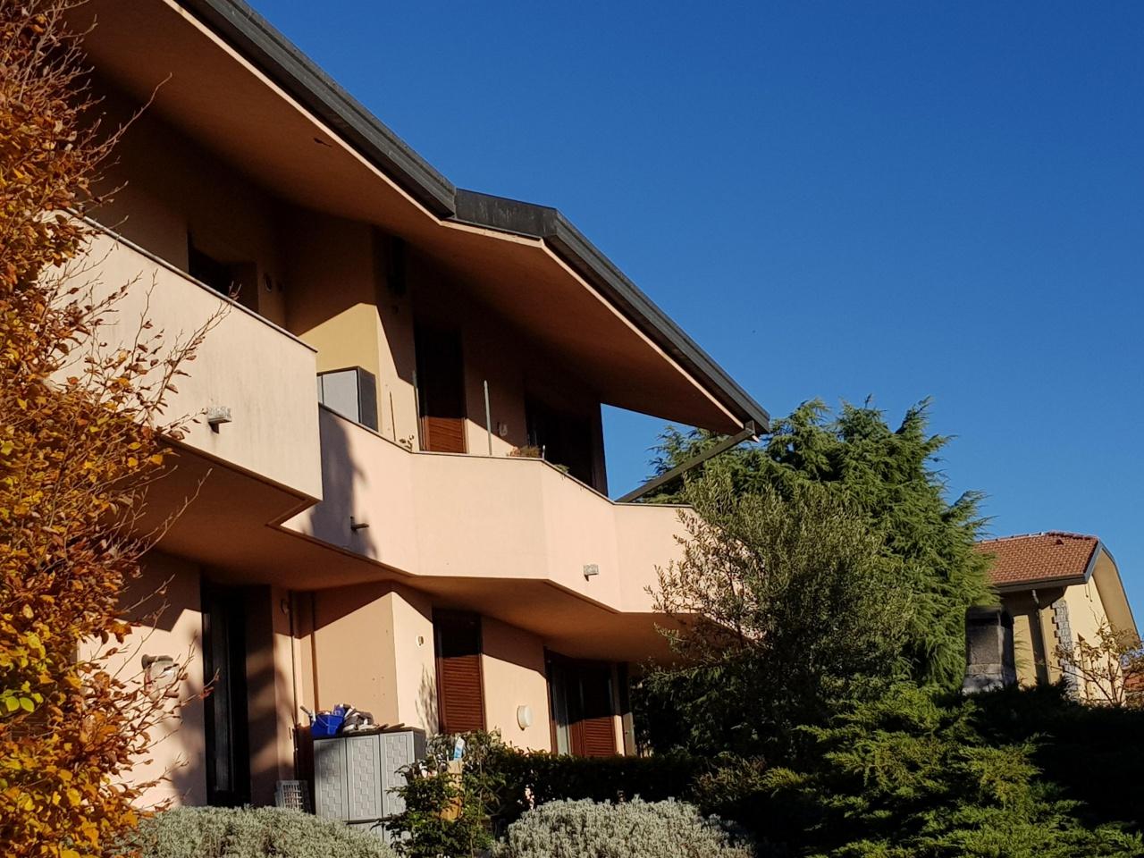 Appartamento in vendita a Orsenigo, 4 locali, prezzo € 165.000 | PortaleAgenzieImmobiliari.it