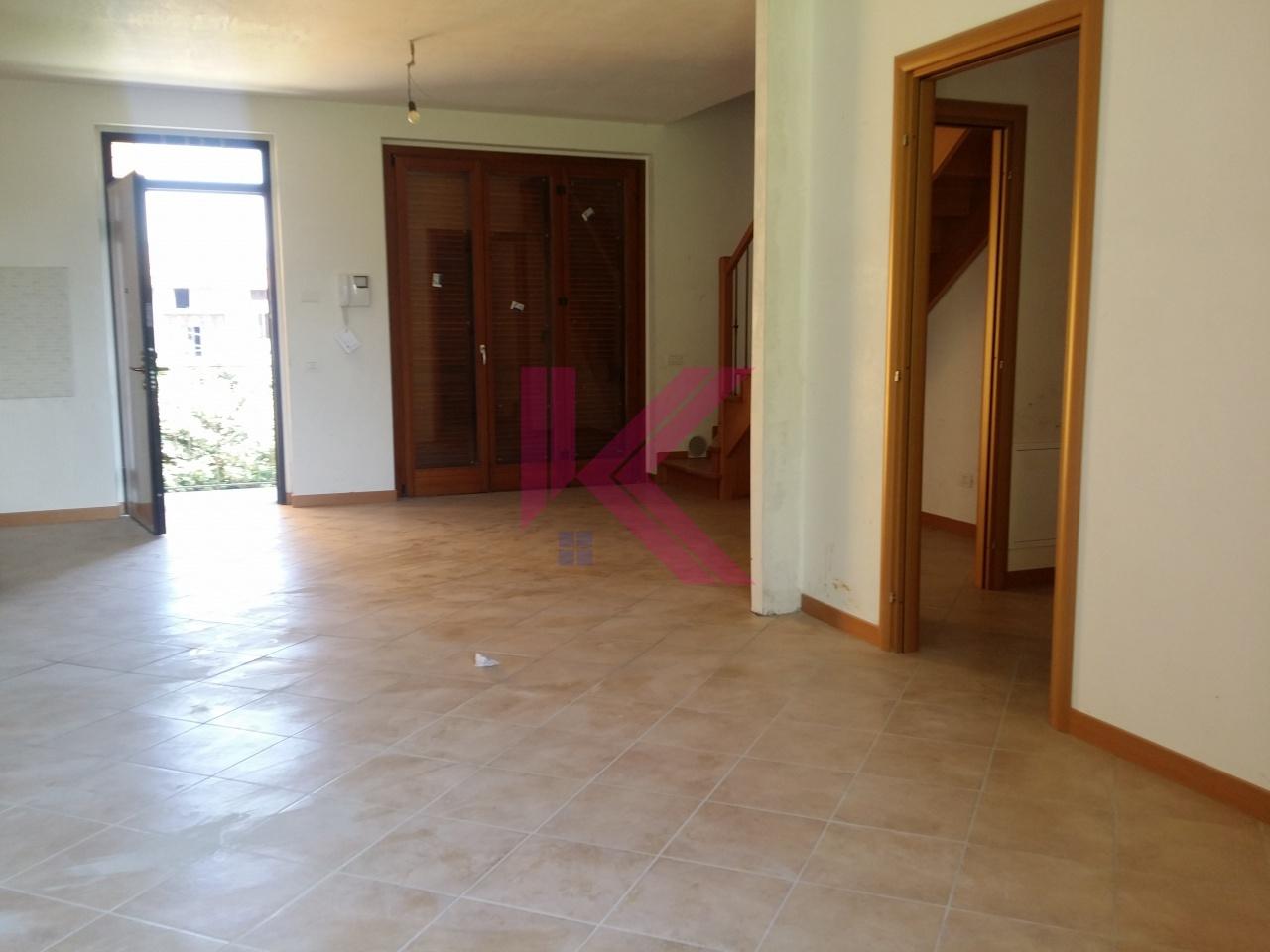 Appartamento MONGUZZO MONGUZZOTRILOCON-RIS
