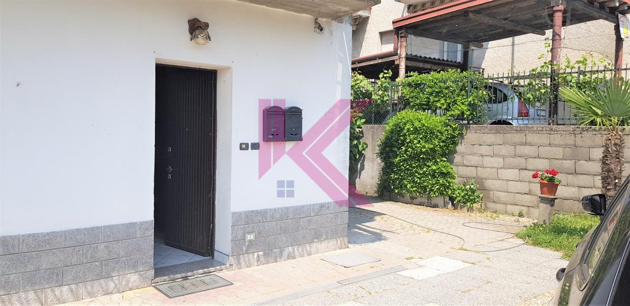 Appartamento in vendita a Montorfano, 2 locali, prezzo € 67.000   PortaleAgenzieImmobiliari.it