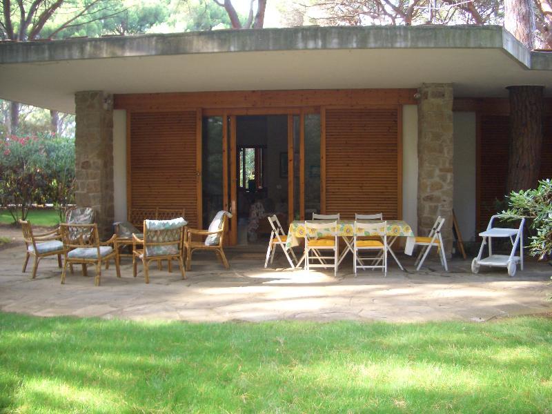 Villa a Schiera in affitto a Castiglione della Pescaia, 8 locali, prezzo € 1 | CambioCasa.it