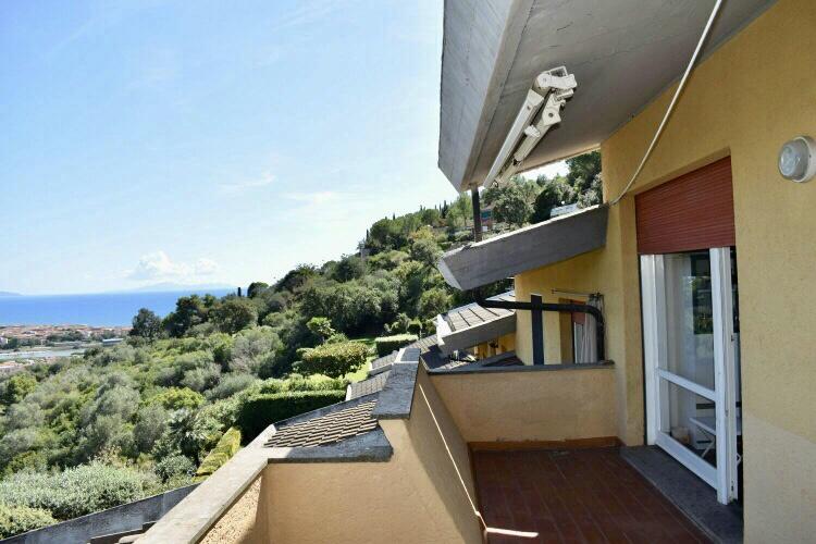 Appartamento in ottime condizioni arredato in vendita Rif. 8474667