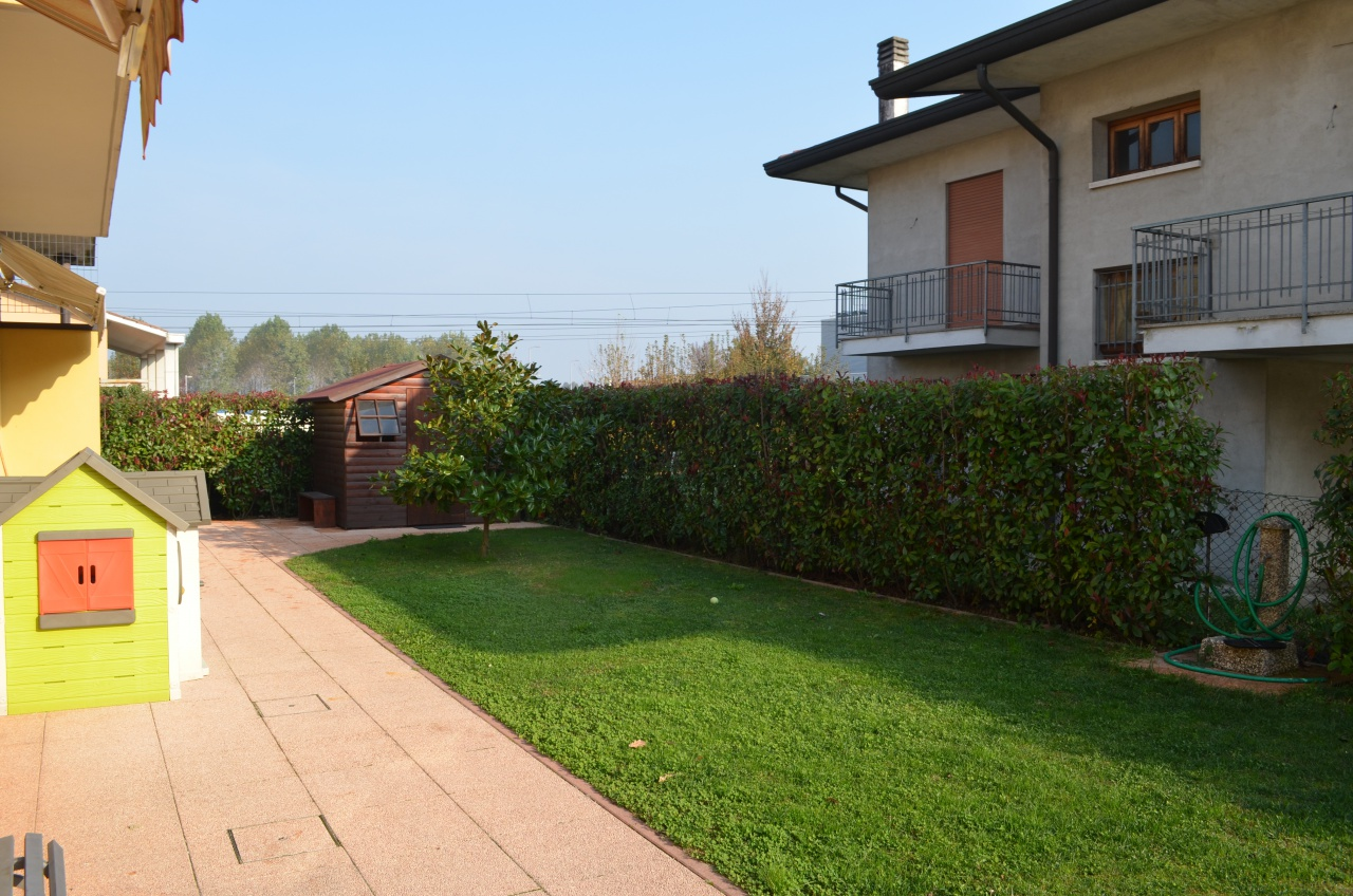 Appartamento in ottime condizioni in vendita Rif. 5376068
