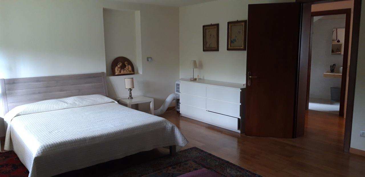 Appartamento ristrutturato arredato in vendita Rif. 11459446