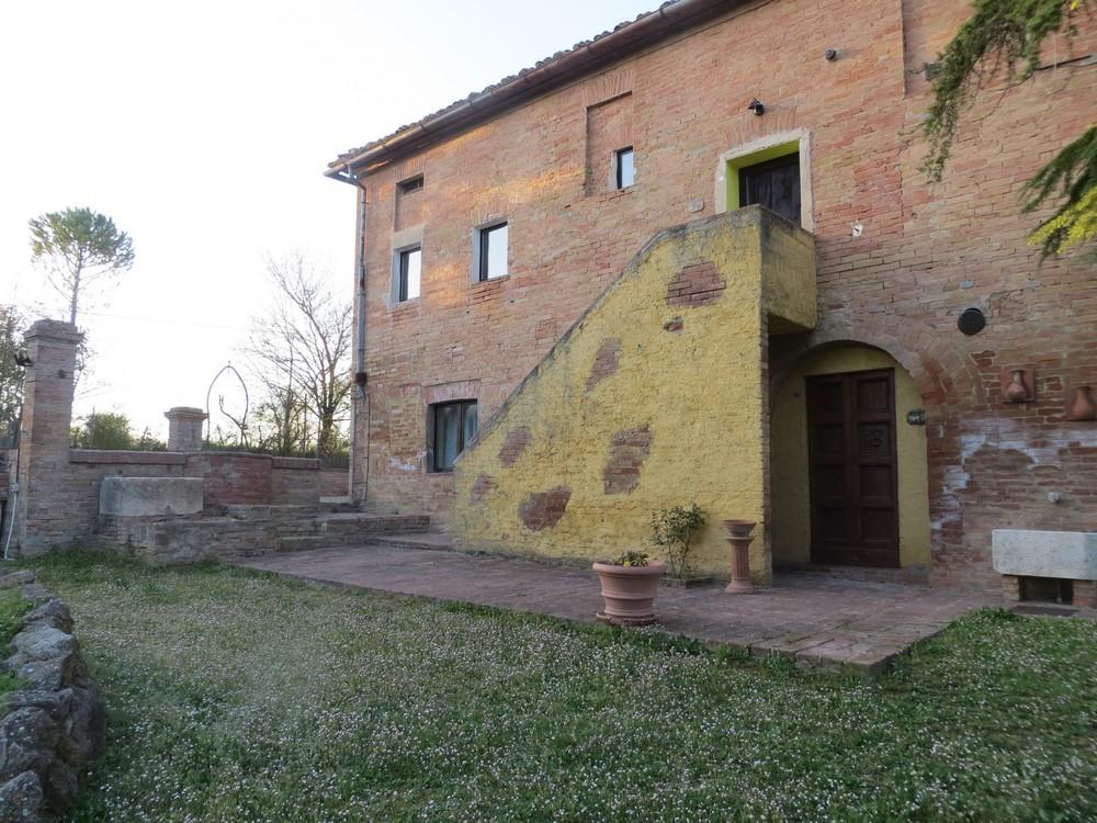 Terratetto quadrilocale in vendita a Siena (SI)