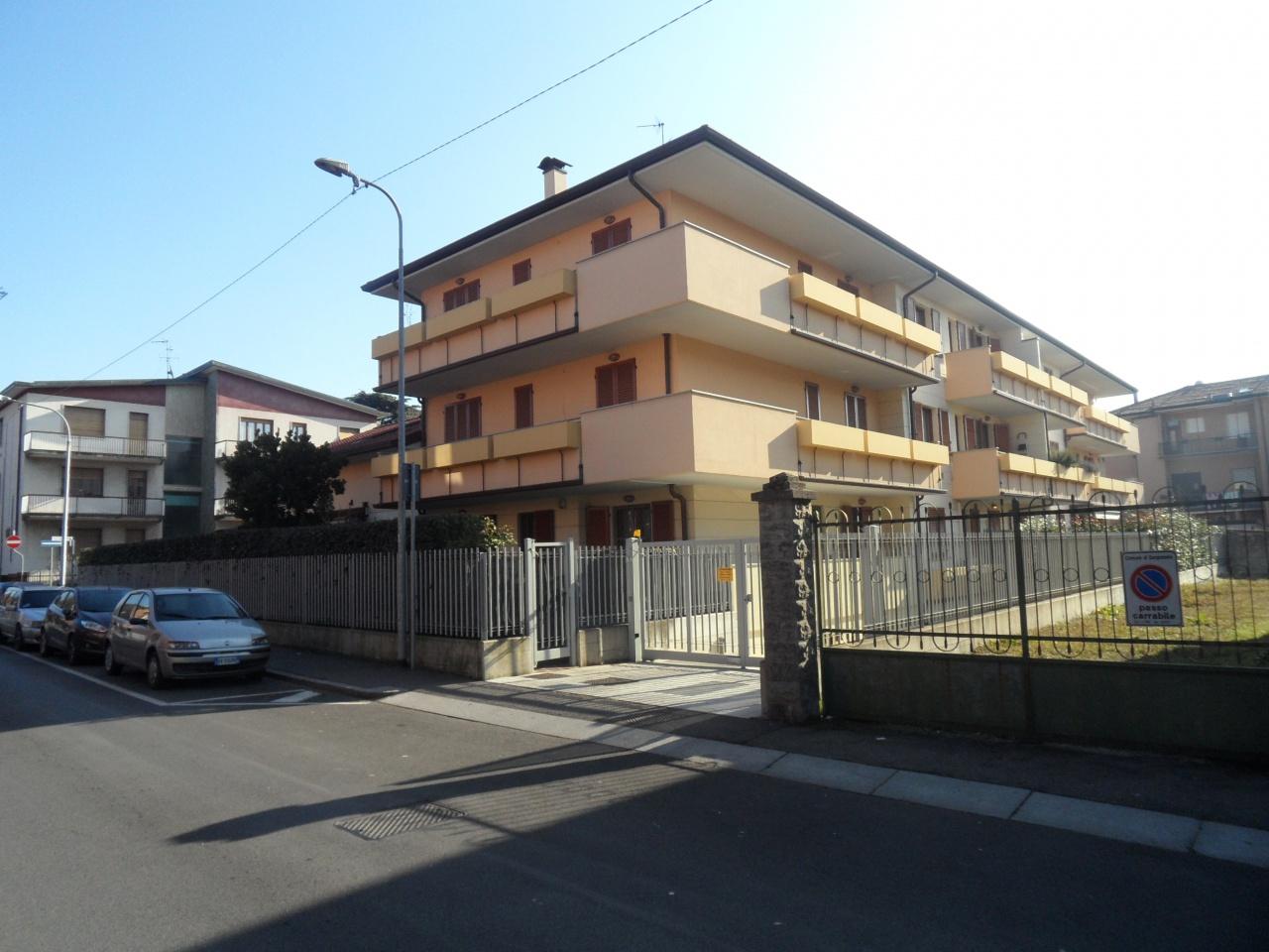 Appartamento in ottime condizioni in vendita Rif. 8931779