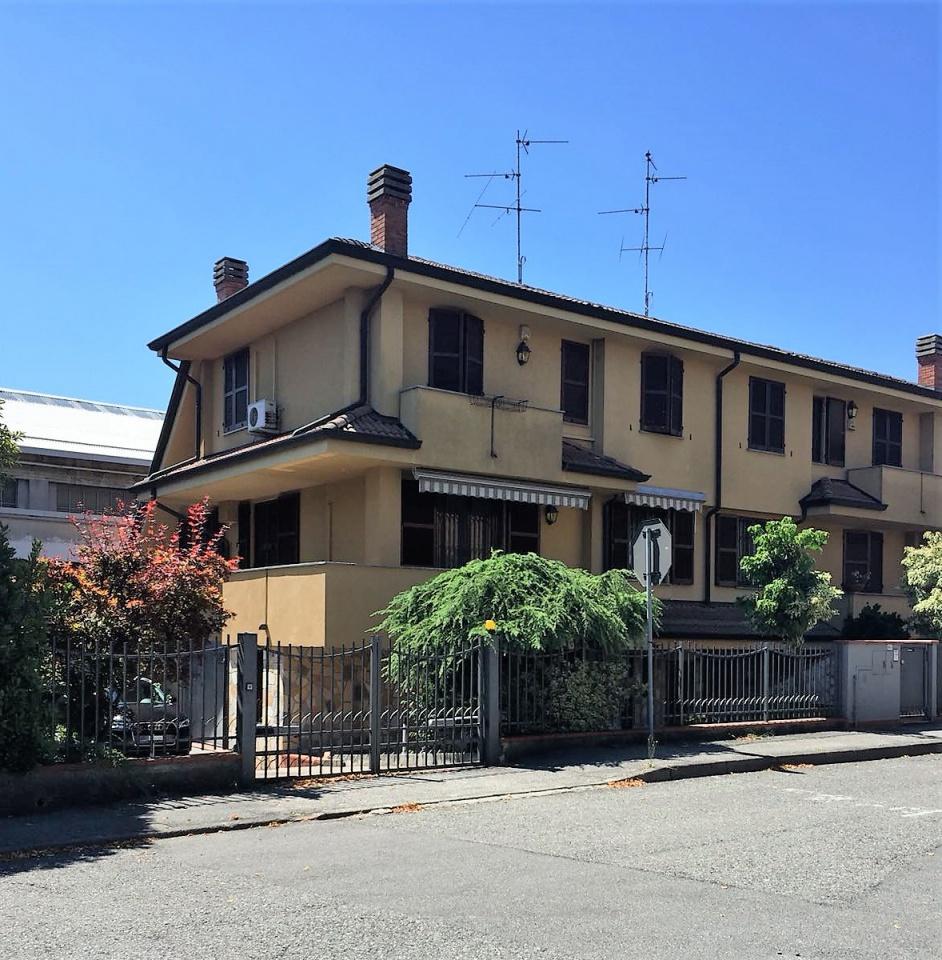 Villetta a schiera in buone condizioni in vendita Rif. 8931795