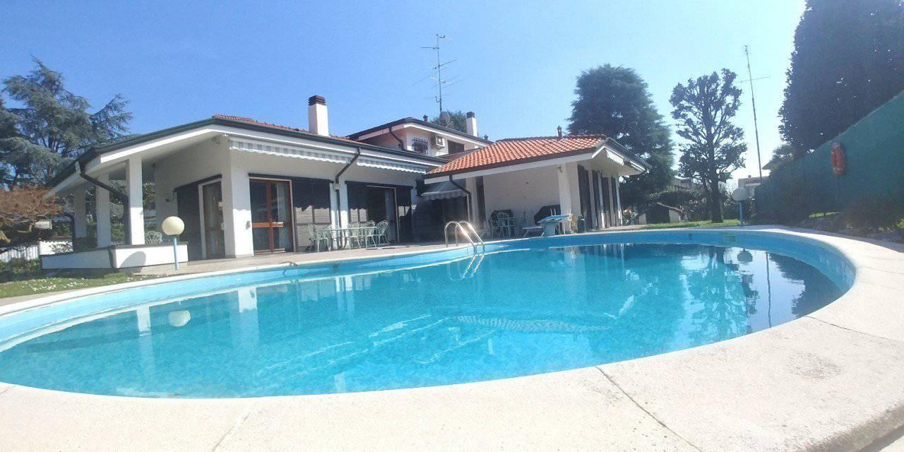 Villa in buone condizioni in vendita Rif. 9683846