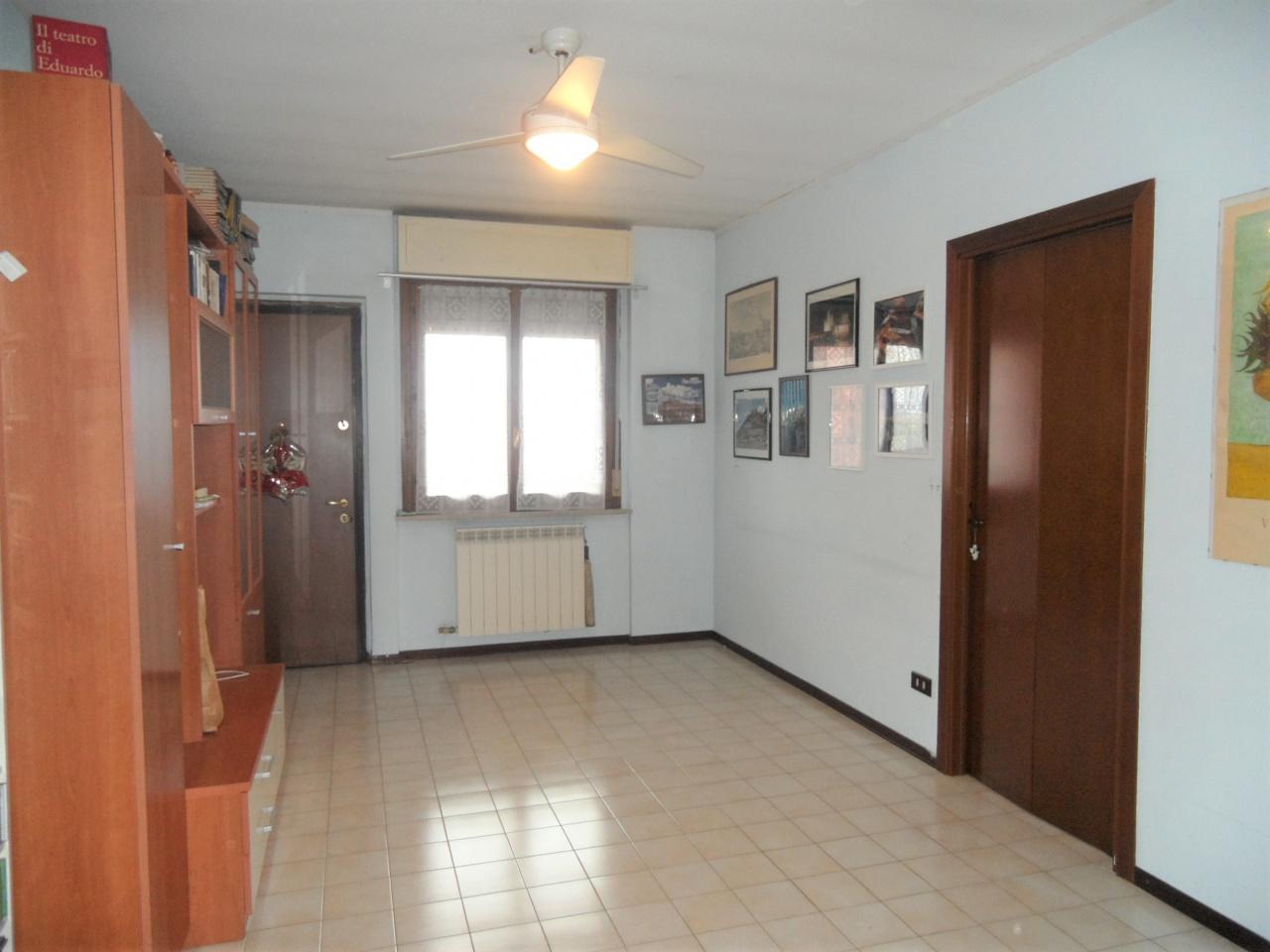 Appartamento in buone condizioni in vendita Rif. 10279643