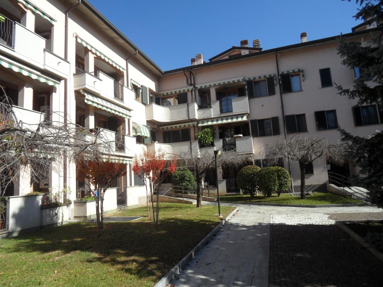 Appartamento in ottime condizioni in vendita Rif. 11229063