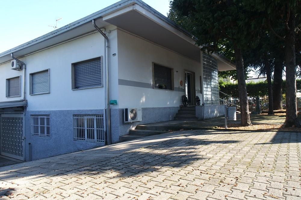 Villa in buone condizioni in vendita Rif. 11287867