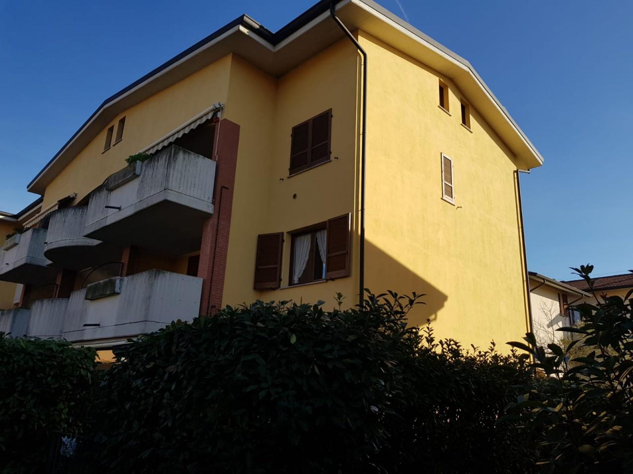 Appartamento in ottime condizioni in vendita Rif. 11593698