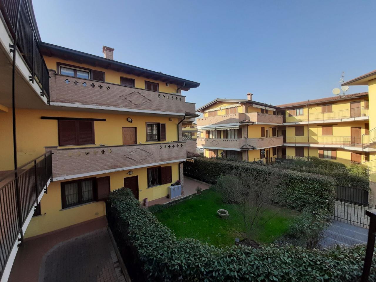 Appartamento in ottime condizioni in vendita Rif. 12267353