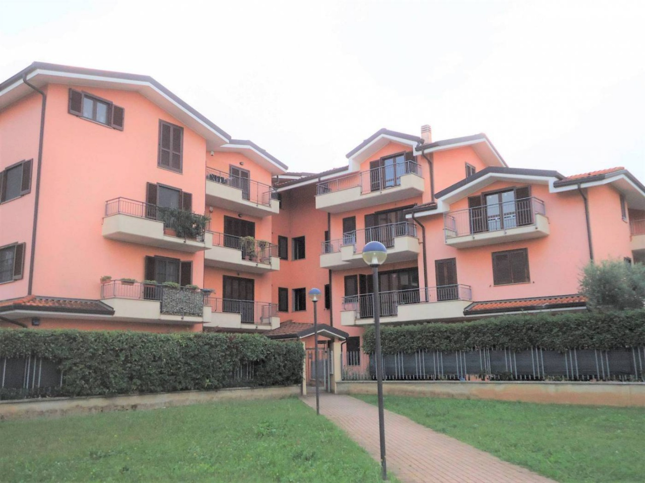 Appartamento in vendita a Gessate, 4 locali, prezzo € 280.000 | CambioCasa.it